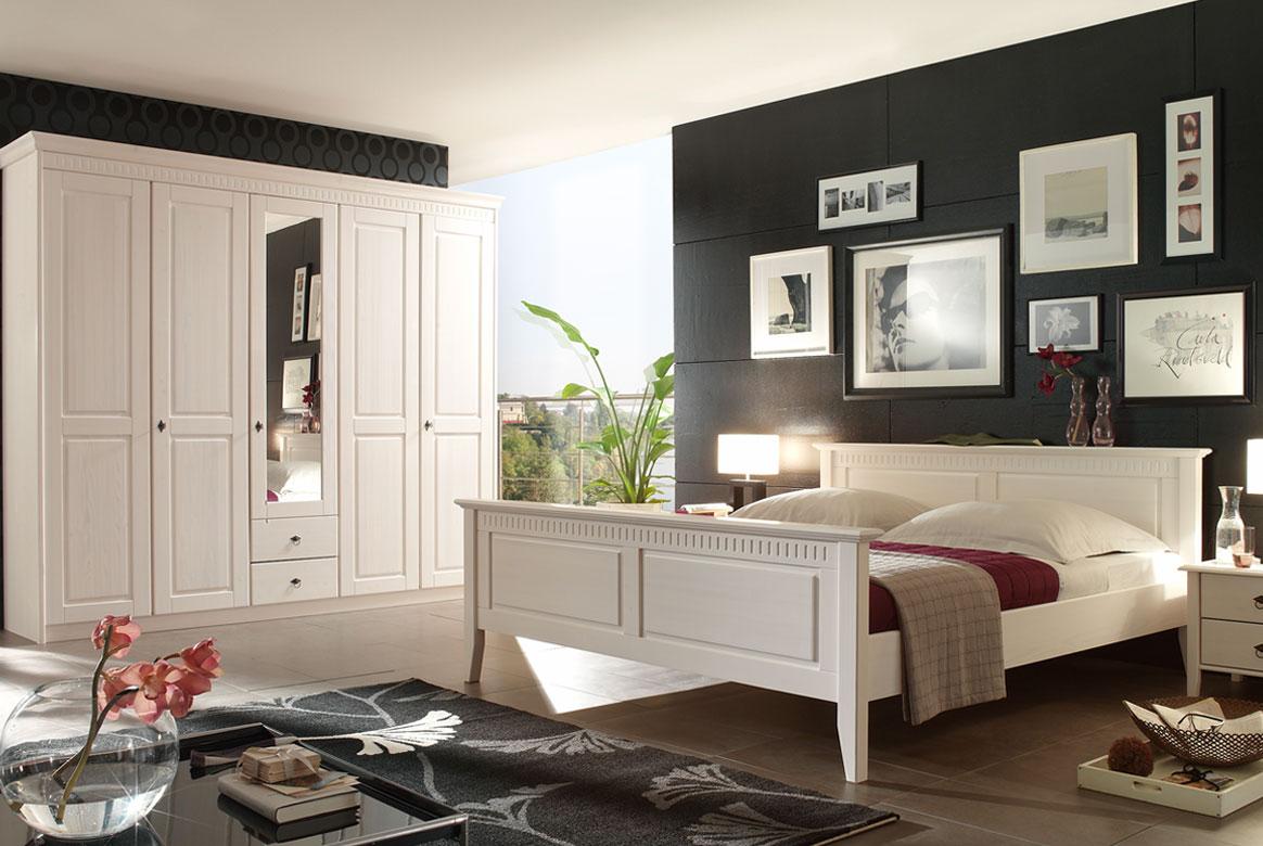 SchlafzimmerLandhaus weiß massiv Bozen