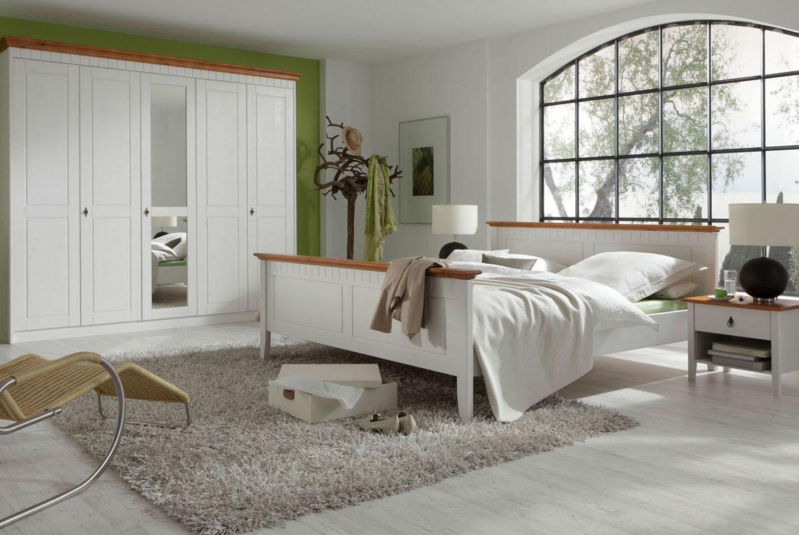 SchlafzimmerLandhaus weiß massiv Capri