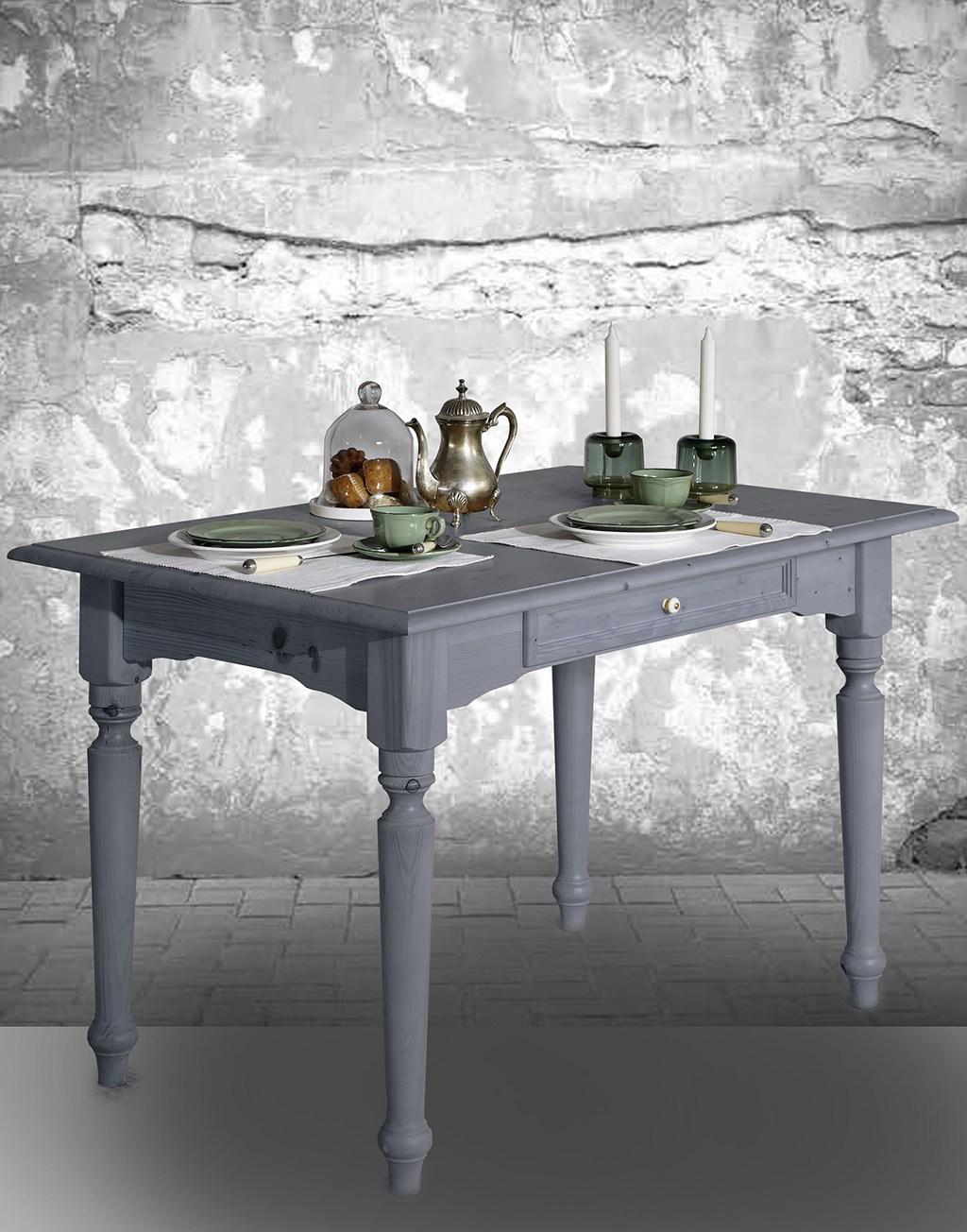 Abbildung Tisch Alina in delphingrau lackiert.
