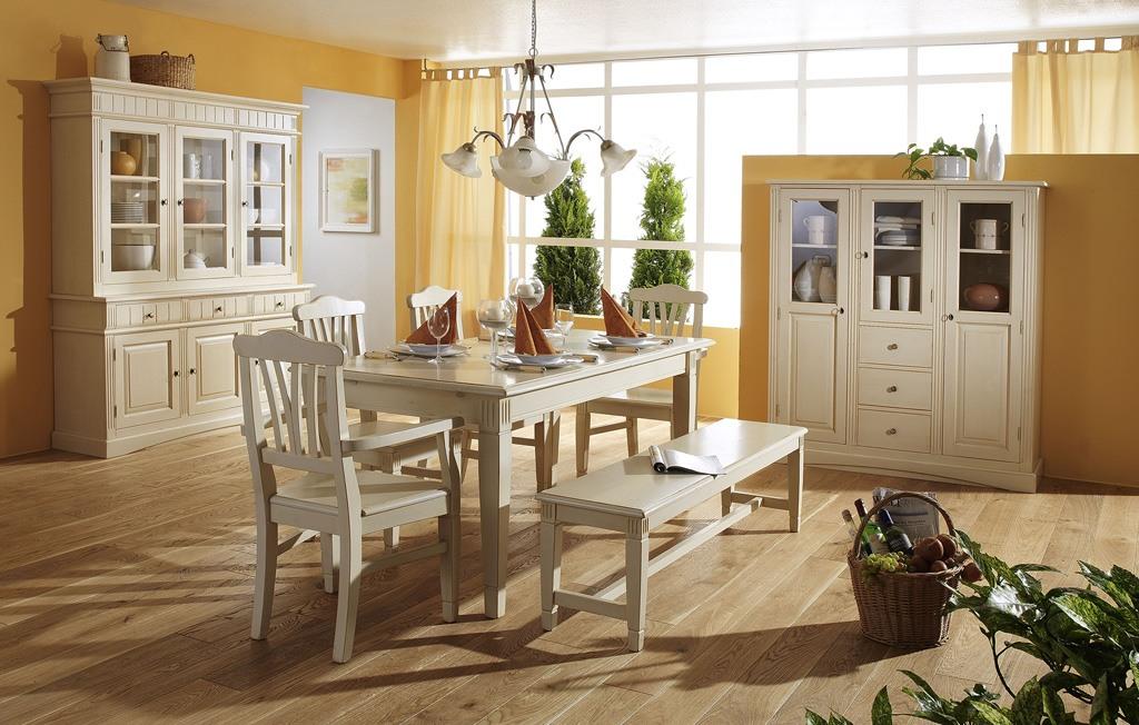 Landhaus Tischgruppe massiv Fichte Lara weiß gewischt lackiert.