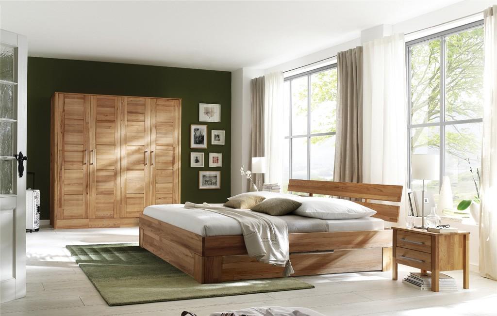 Massivholz Schlafzimmer mit Schuhbkästen Rotkern