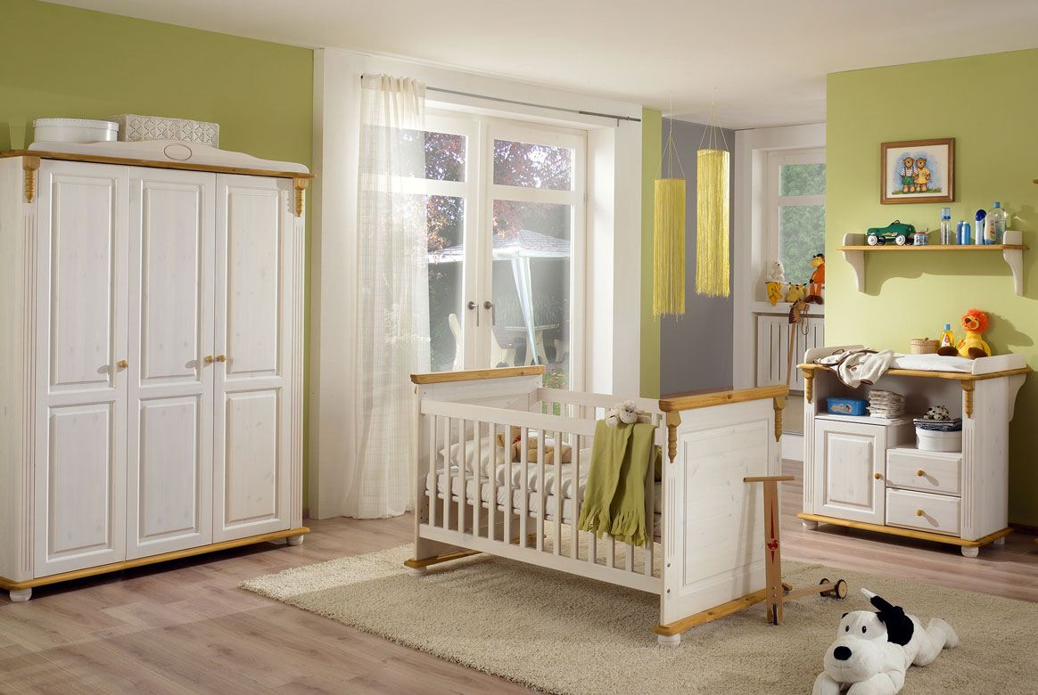 Abbildung Babyzimmer Set Massivholz mit 3 trg. Kleiderschrank weiß | Roma