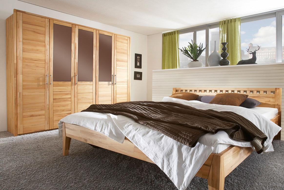 Abbildung Schlafzimmer Kleiderschrank in Massivholz Wildeiche geölt | F07