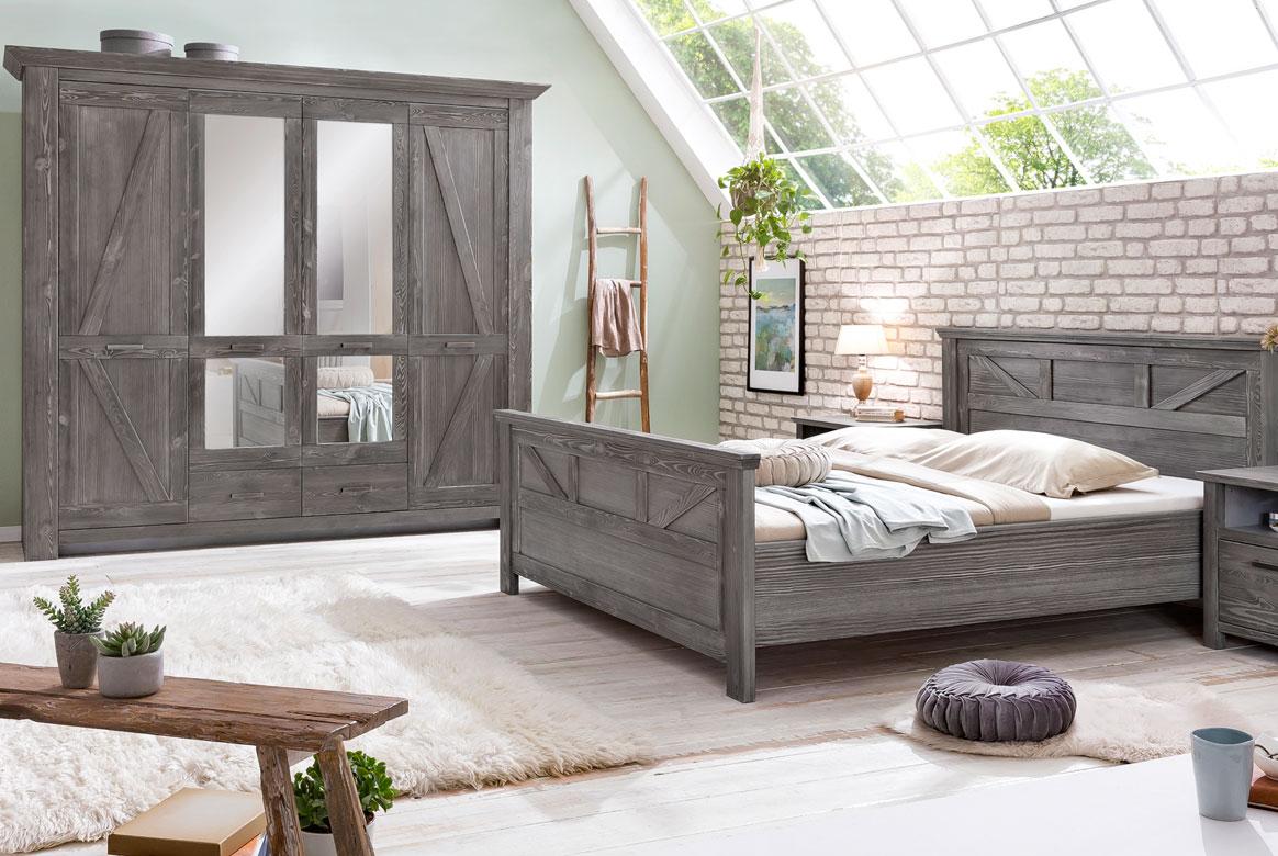 Schlafzimmer Landhaus Altkiefer teilmassiv Baleo | P02