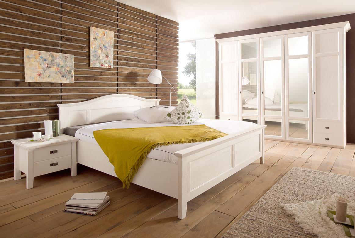 Schlafzimmer Landhausstil | Casa | Kiefer teilmassiv | W02