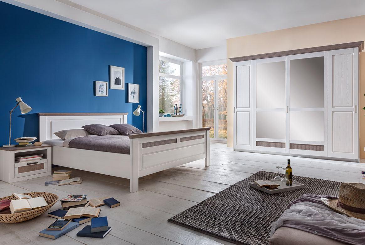 Schlafzimmer Landhaus weiß teilmassiv Lugano