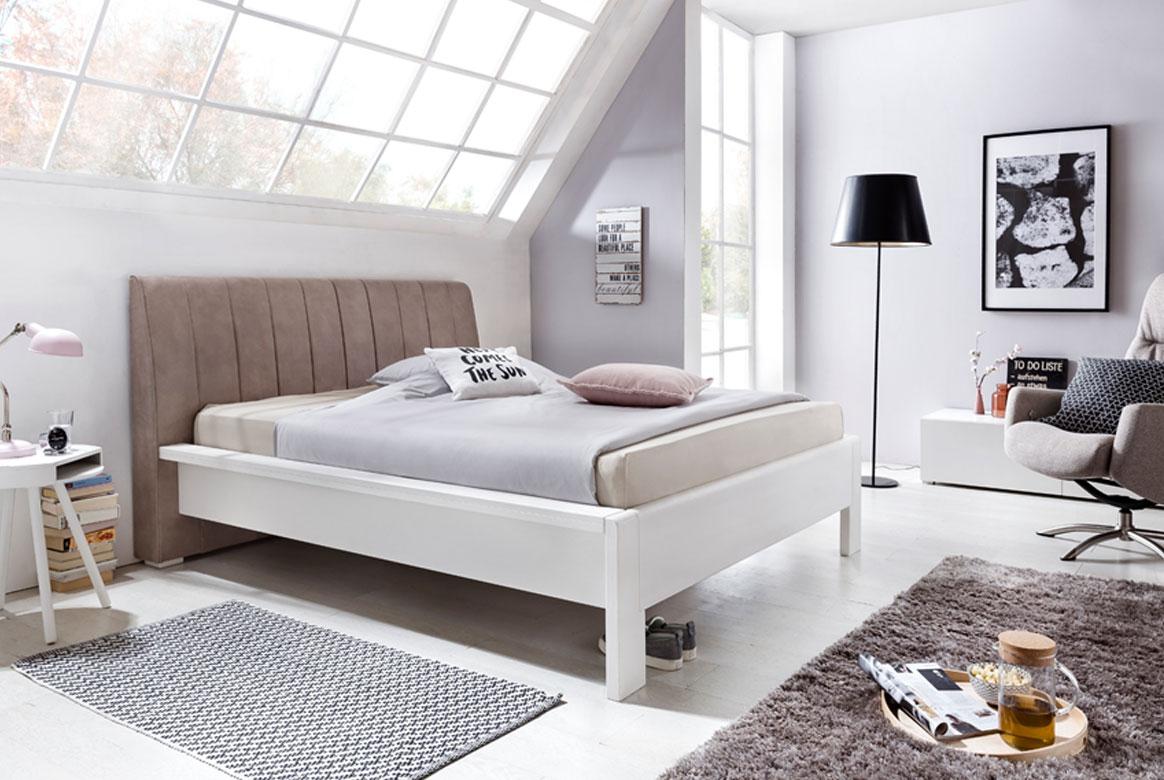 Abbildung Landhausstil Bett mit Polsterkopfteil 180x200 cm weiß Pisa | T10