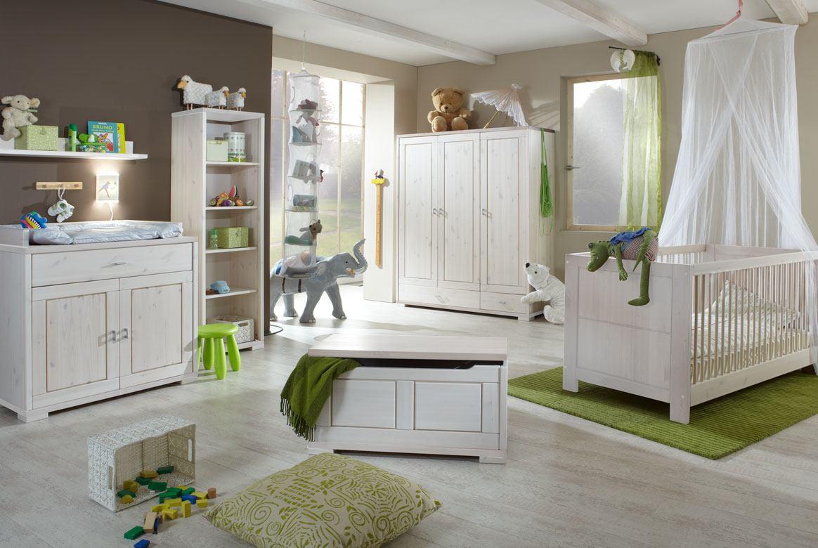 Abbildung Babyzimmer Massivholz weiss - Absetzung gebeizt geölt Goldberg | B02