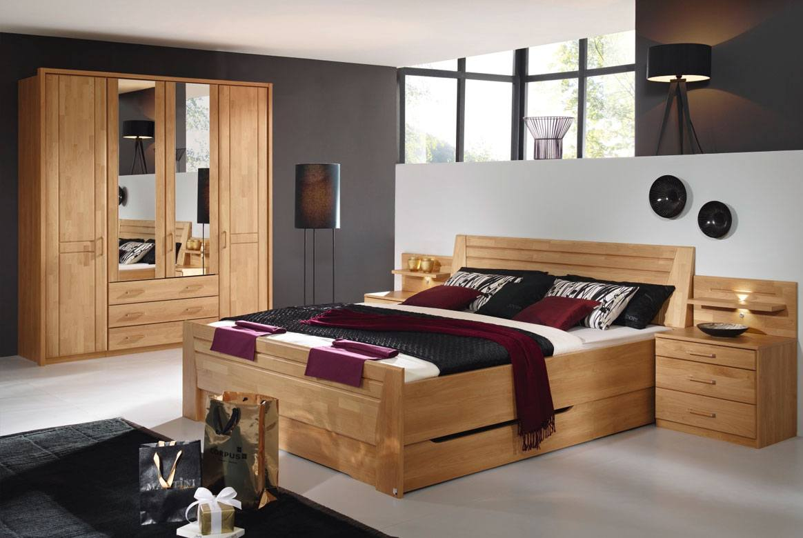 Schlafzimmer komplett angebote bettdecken doppelt for Schlafzimmer komplett angebot