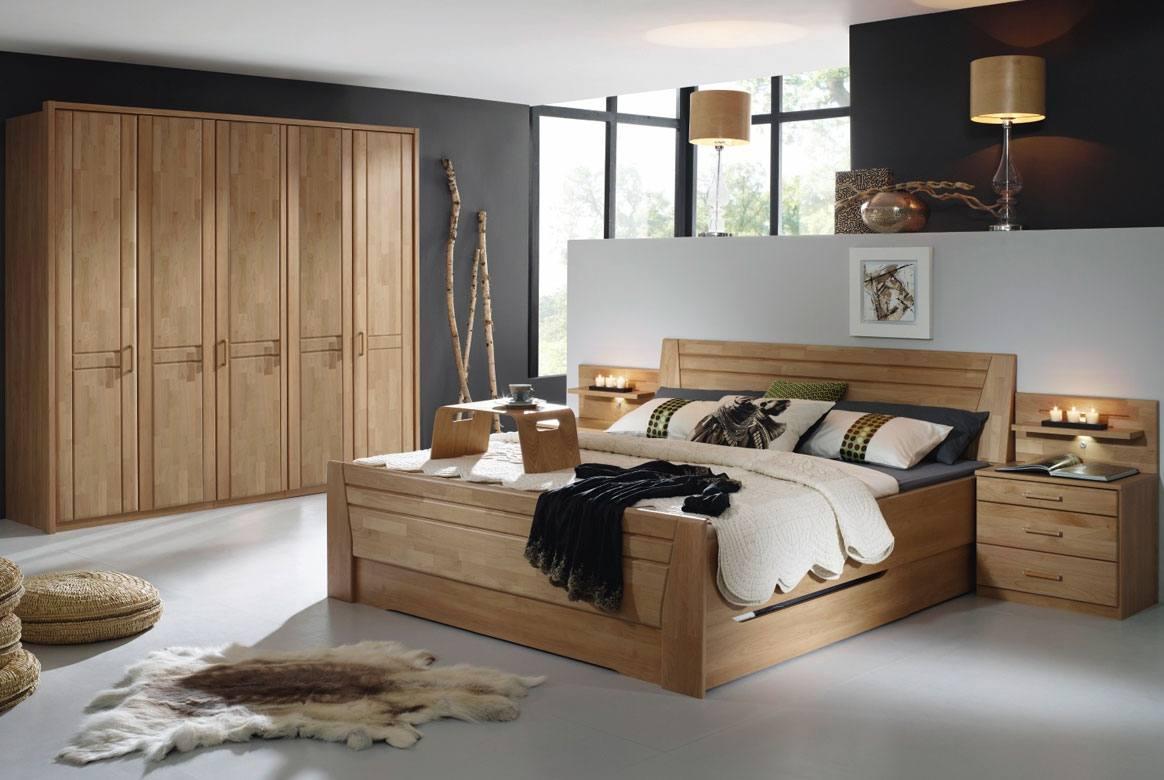 Abbildung Schlafzimmer Wildeiche mit Komfortbett 180x200 u. Kleiderschrank 5-trg. Sitara | W43