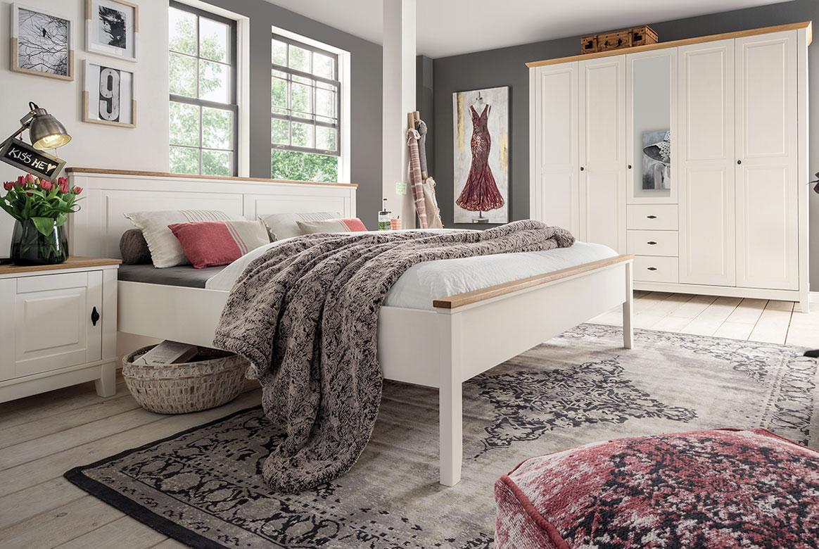 schlafzimmer landhausstil odette kiefer massivholz weiss s03. Black Bedroom Furniture Sets. Home Design Ideas