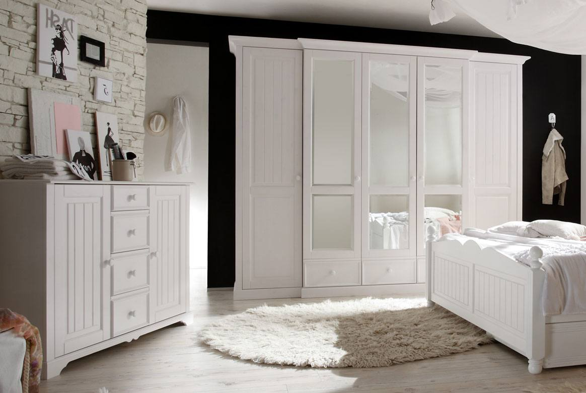 kommode landhausstil weiss cinderella kiefer teilmassiv t47. Black Bedroom Furniture Sets. Home Design Ideas